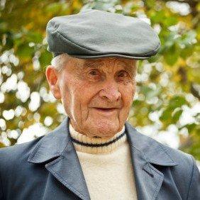 Zufriedener Kunde der stundenweisen Seniorenbetreuung Herr Horst Thiele.